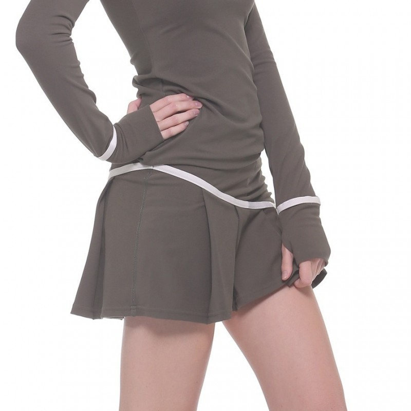 Tennis skirt with undershorts 1