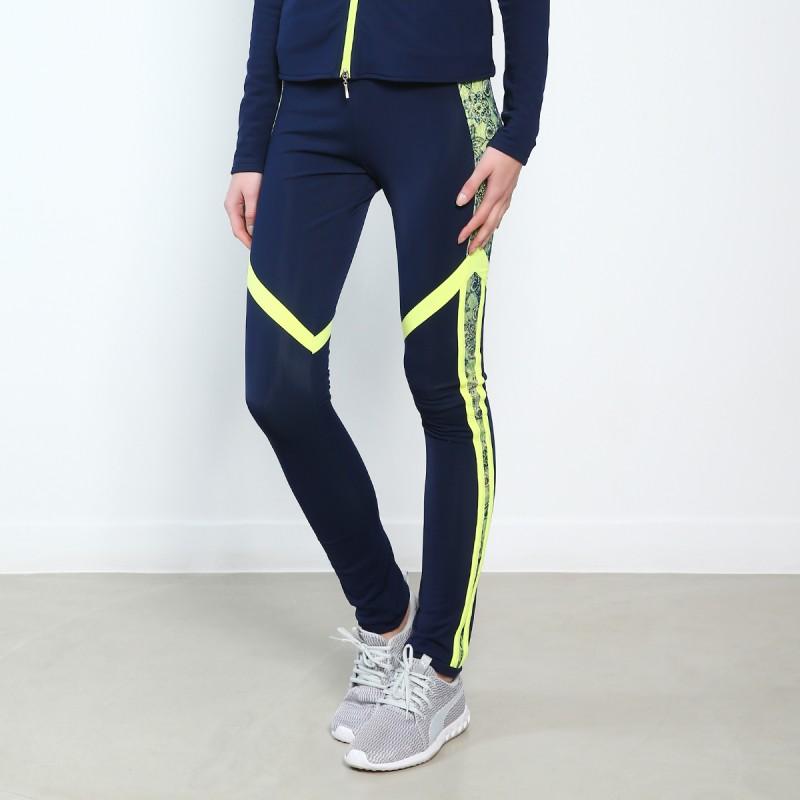 高端展现 XAMAS Signature Infinity 滑冰训练裤